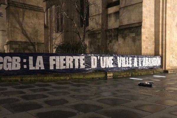 Les Ultramarines manifestent régulièrement leur colère contre les dirigeants des Girondins.
