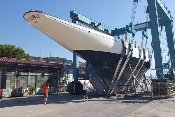 Italie - Yann Berthemet et le BlackSwan dans le port de Grazie