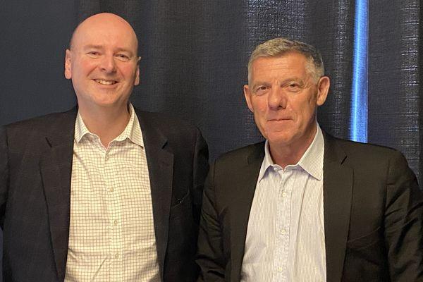 """Olivier Deslandes et Sylvain Bertrand, actionnaires d'InnovHealth, veulent """"faire table rase du passé"""" encombrant de la start-up et ne penser qu'à l'avenir."""