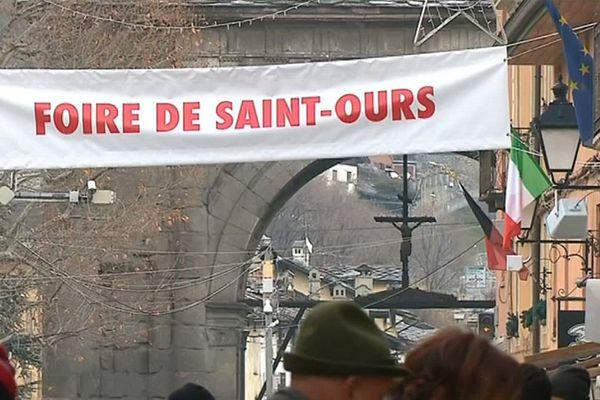 La foire de la Saint-Ours, la grande fête annuelle des sculpteurs sur bois valdôtain, souffle cette année ses 1019 bougies !