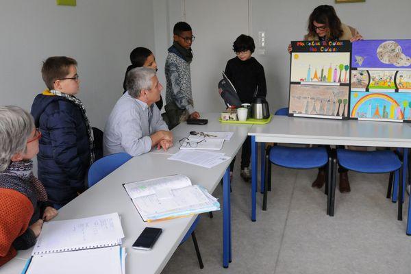 Une classe de jeunes en situation de handicap récompensée au festival d'Angoulême
