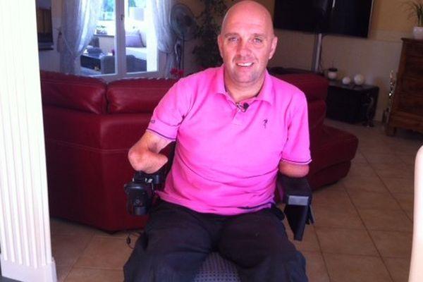 Philippe Croizon soulagé aujourd'hui d'avoir retrouvé son fauteuil roulant