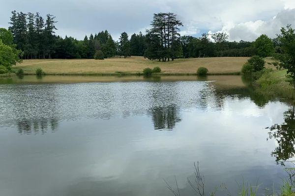 La Haute-Vienne possède près de 12 000 étangs en majorité privés.