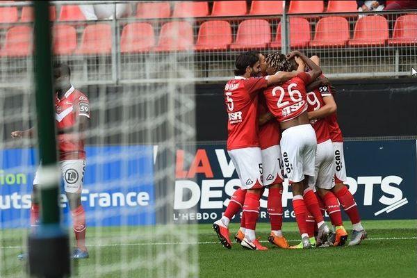 Les joueurs valenciennois ont inscrit 3 buts lors de cette reprise.