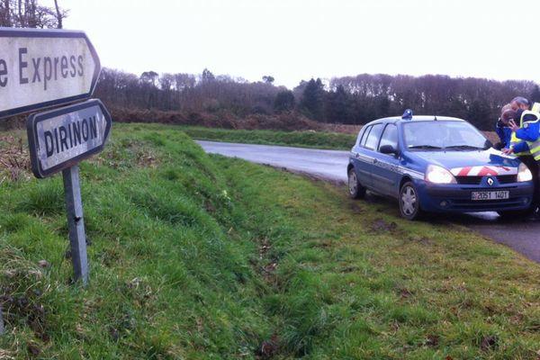 Dans le cadre de l'affaire Troadec, les gendarmes du Finistère avaient retrouvé des objets appartenant aux Troadec dans la zone de la carrière et de l'étang du Roual, sur la commune de Dirinon (Finistère)
