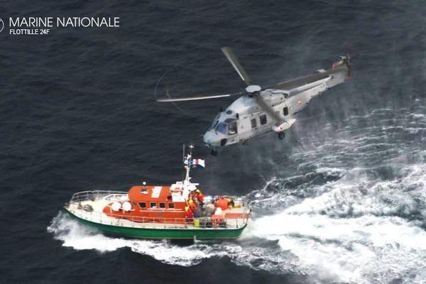 Les deux marins du Mon Désir ont été secourus par la Marine Nationale et la SNSM entre Hoëdic et La Turballe