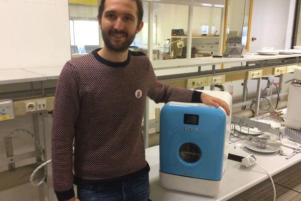 Bob, le premier mini lave-vaisselle français avec Antoine Fichet l'un de ses deux concepteurs