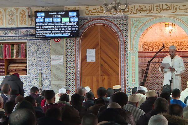 Les fidèles de la mosquée de Colomiers près de Toulouse.