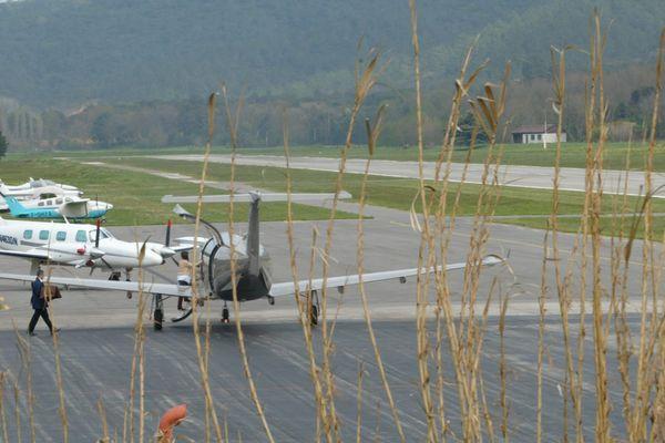 En 2012, au audit avait évalué à 170 millions d'euros les retombées économiques locales annuelles et à 1.700 euros par jour les sommes dépensées par la clientèle de l'aéroport, notamment suisse.