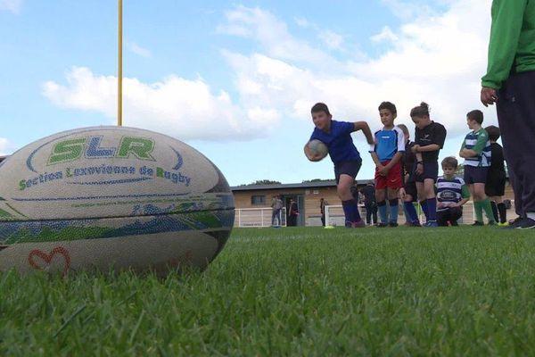 Les enfants de l'école de rugby de Lisieux, le 13 octobre 2021.