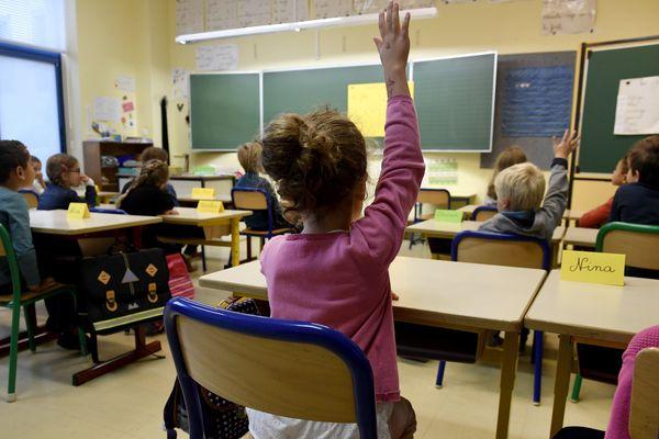 Il n'y aura pas de changement dans les rythmes scolaires pour les élèves des écoles de Clermont-Ferrand. La ville a annoncé, mardi 12 décembre, qu'elle maintenait la semaine de 4,5 jours. Photo d'illustration).