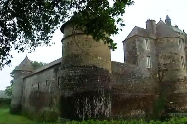 Le Château de Ratilly a été construit entre le XIème et le XIIIème siècle