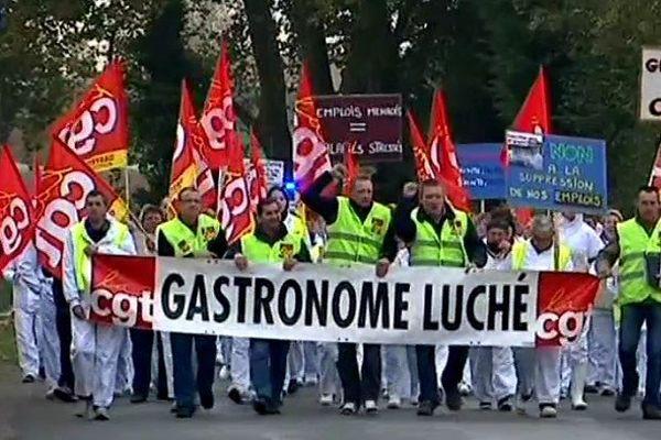 Le marche pour l'emploi des salariés de Gastronome