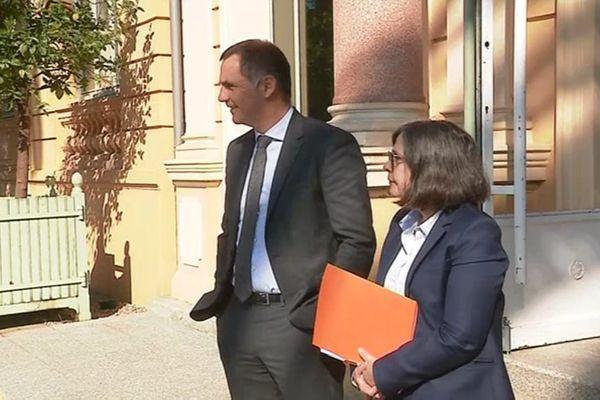 Gilles Simeoni, président du conseil exécutif de Corse, aux côtés de Marie-Christine Bernard-Gelabert, directrice générale des services de la collectivité de Corse.