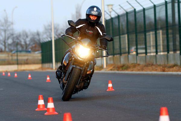 Ce nouveau permis moto ne devrait pas être plus sélectif que le précédent, selon les moniteurs de moto école interrogés.