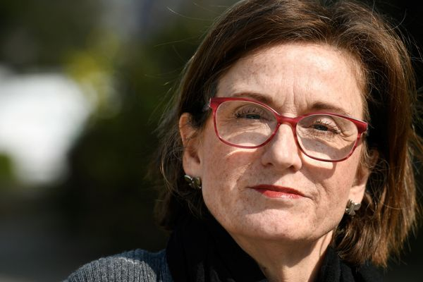 Sandra Sheward, élue municipale à Saint-Caradec