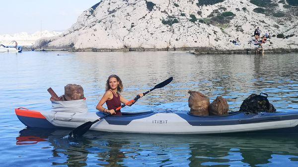 En septembre et octobre 2019, le Projet Azur avait récolté 500 kilos de déchets en Méditerranée. Pour la suite de l'aventure, un don = un nom sur le kayak.