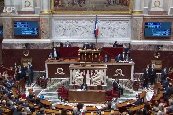 L'Assemblée nationale a validé l'usage temporaire des néonicotinoïdes (©LCP)