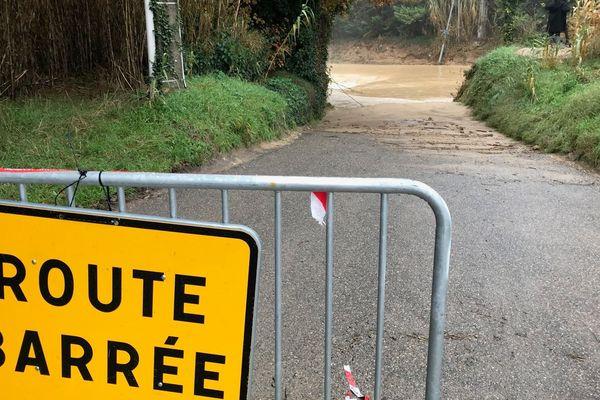 De nombreuses routes restent coupées en raison des inondations dans le Vaucluse.