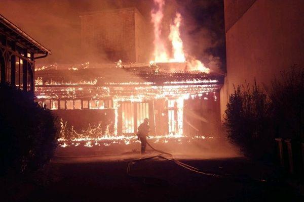 L'église Saint-Jacques, à Grenoble, a été dévastée par un incendie en janvier.