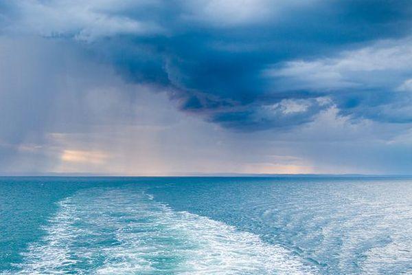 Une pluie bleue