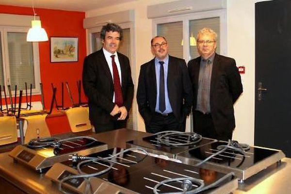 Le maire d'Epervans, Eric Michoux, avec son adjoint Vincent Guery et le directeur du CIFA de Mercurey, Gérard Baudot