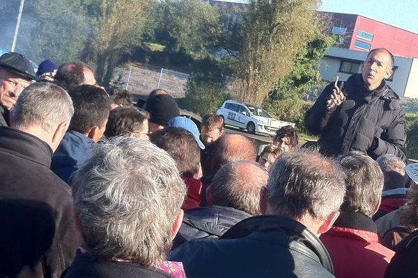 Olivier le Bras (FO) avant le vote des salariés de Gad à Lampaul-Guimiliau (29)