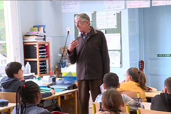 Roger Wolman,témoin de la déportation, à la rencontre des élèves de Fuon Cauda à Nice