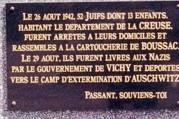 Plaque commémorative du camp de Boussac en Creuse