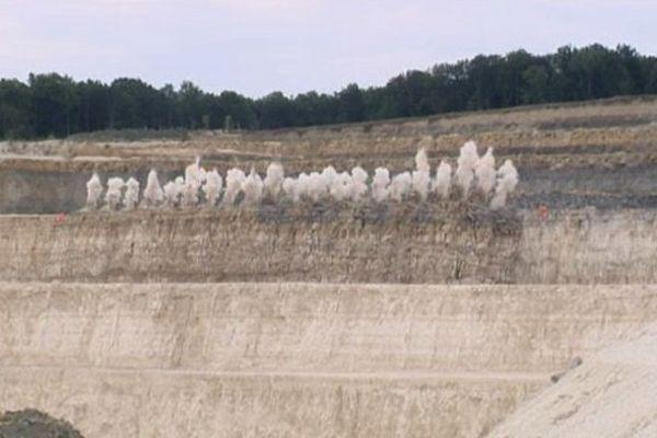 30.000 tonnes de calcaire s'affaissent en quelques secondes