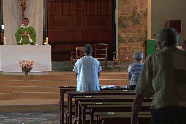 A l'église Saint-Jacques, dans le 8 e arrondissement de Lyon, il y a eu 7 départs d'incendie en moins d'un an