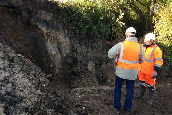 Le trou sous la voie a été découvert à l'occasion d'une visite de routine d'agents SNCF.