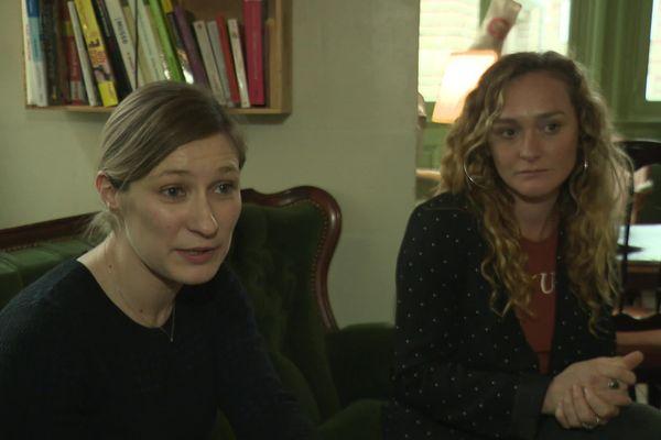 """Ludivine Levray et Marie-Charlotte Bony, les deux gérantes du bar-brasserie """"Les Sœurs Pinard""""."""