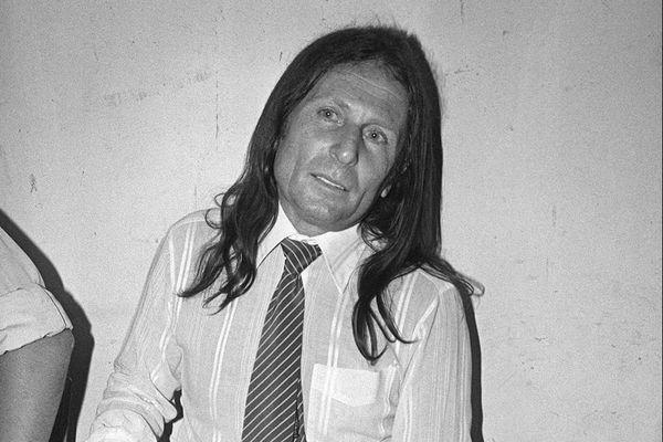 Le criminel d'origine corse, Joseph-Thomas Recco alias Tommy Recco, attendant le verdict lors de son procès, le 14 juin 1983, au palais de justice de Draguignan.