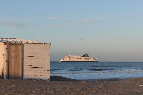 Entre les dunes, le bras de fer continue entre les autorités et les défenseurs des chalets.