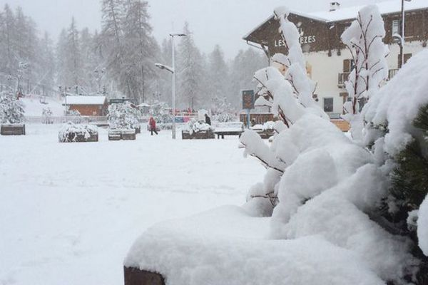 Ce matin à Valberg la neige fraîche est tombé jusqu'en bas de la station.