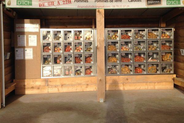 Depuis le début du confinement, les agriculteurs des Hauts-de-France possédant un distributeur automatique de produits locaux constatent le succès de leurs installations.