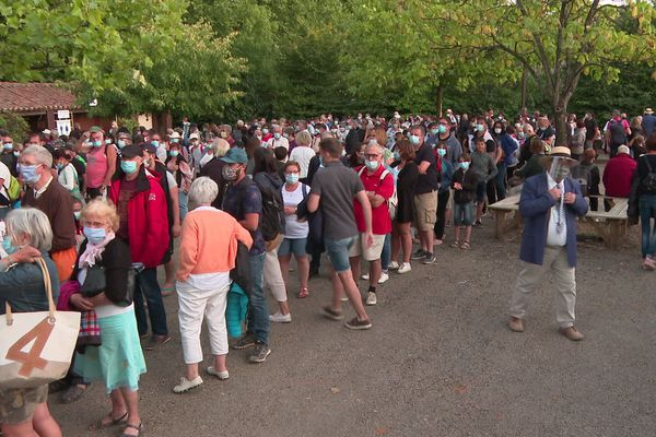 Environ 4000 personnes sont accueillies dans chaque tribune