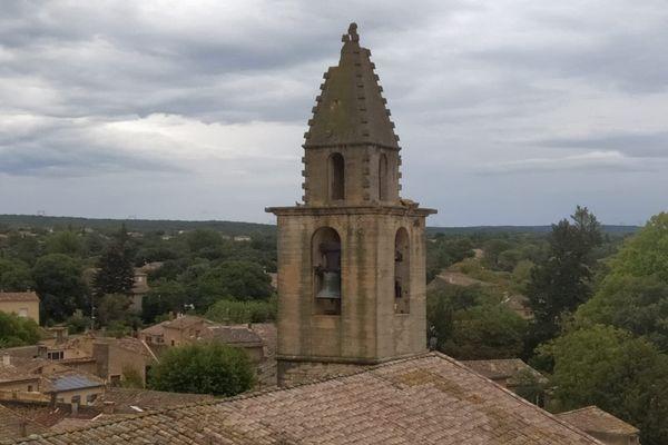 Une partie du clocher de l'église s'est effondrée.