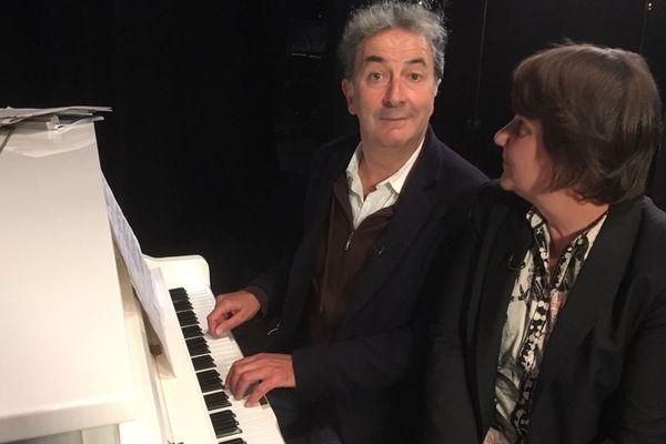 """Entretien dans là où ça bouge avec François Morel qui est au Théâtre de Caen jusqu'à dimanche pour """"j'ai des doutes""""."""