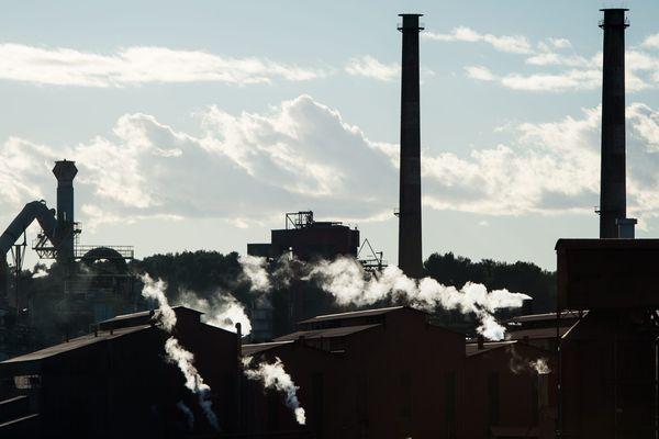 L'usine Alteo de Gardanne fait partie des visites possibles. Mais on peut également choisir de déambuler sur des chemins plus...bucoliques.