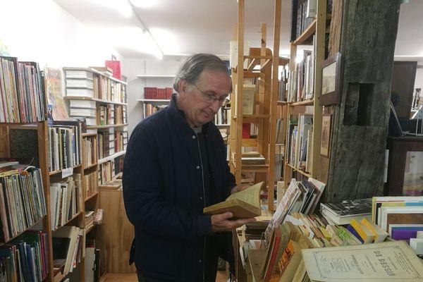 Des milliers  d livre attendent de retrouver de nouveaux propriétaires à Fontenoy la Joûte