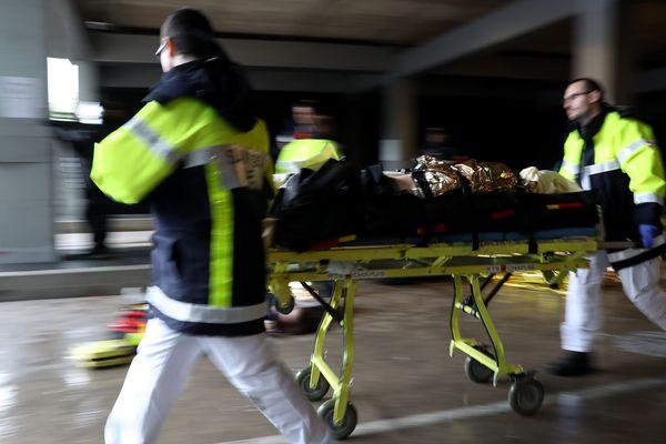 L'hôpital du Puy-en-Velay a organisé une simulation d'attentat pour tester la réactivité des différentes équipes.