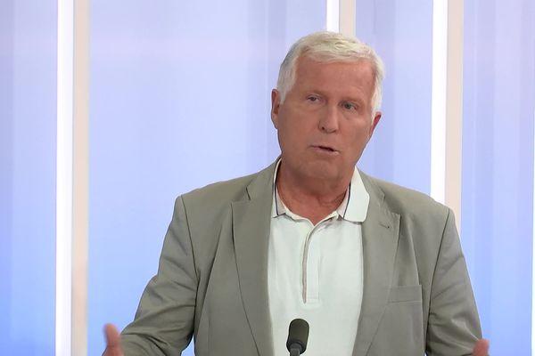 Le professeur Stahl, spécialiste des maladies infectieuses au CHU de Grenoble, invité du journal de France 3