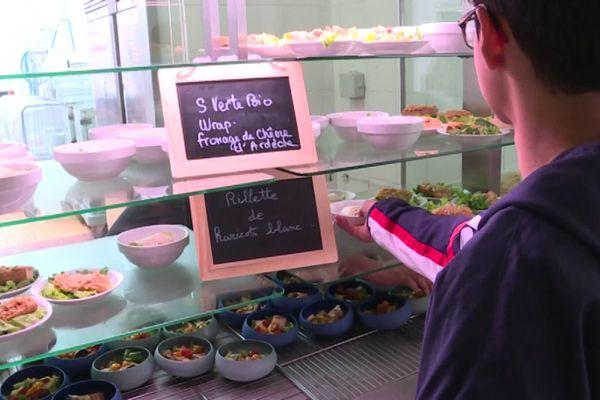 Un repas végétarien une fois par semaine, le collège de l'Eyrieux en Ardèche allège son empreinte carbone