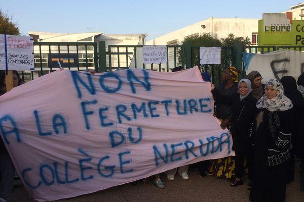 Blocage du collège Pablo Neruda à Evreux