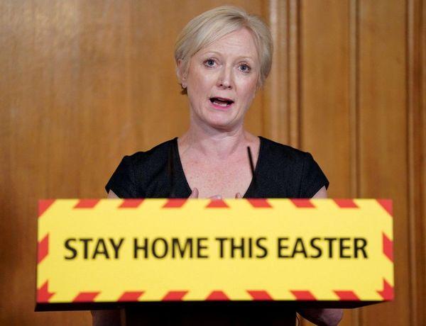 """""""Restez chez vous pour Pâques"""" (""""Stay Home This Easter"""") demandent les autorités sanitaires britanniques."""