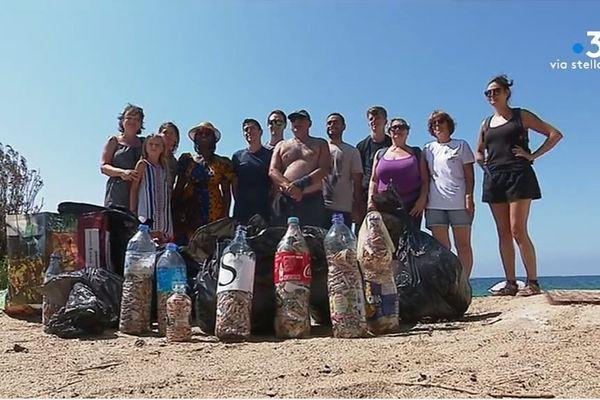 Une opération citoyenne qui consiste à ramasser les déchets. À l'origine de cette initiative : deux jeunes ajacciens.