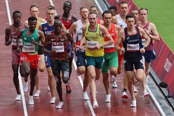 Alexis Miellet, à droite, n'ira au delà des séries du 1 500 mètres aux Jeux olympiques de Tokyo.