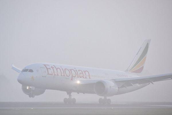 Le trafic est à l'arrêt ce mercredi matin à l'aéroport de Toulouse-Blagnac à cause du brouillard.